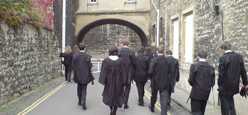 800px oxford university students academic dress